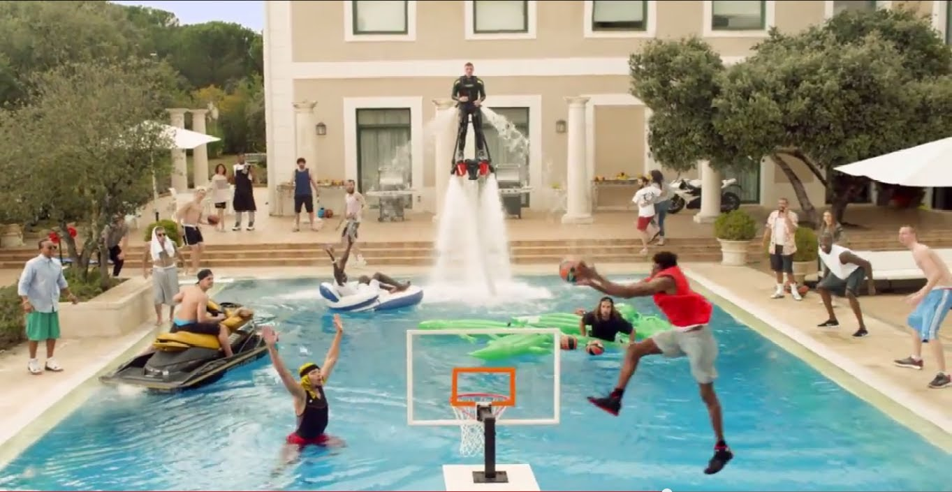 Turkish Airlines Euroleague Epic Pool Dunk Reklam Filmi